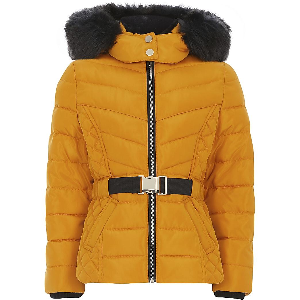 Gele gewatteerde jas met riem en een capuchon met imitatiebont voor meisjes