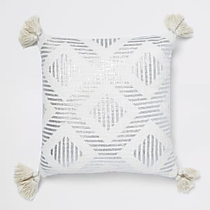 Zilverkleurig kussen met print en kwastjes