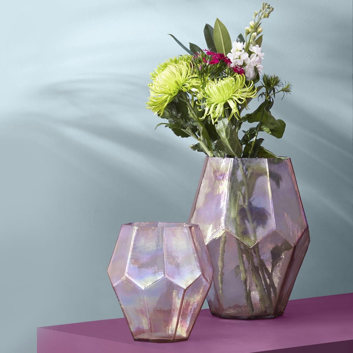 Medium roze achtkantige glazen vaas