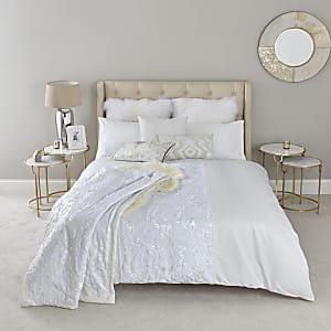 Cream white on white super king duvet bed