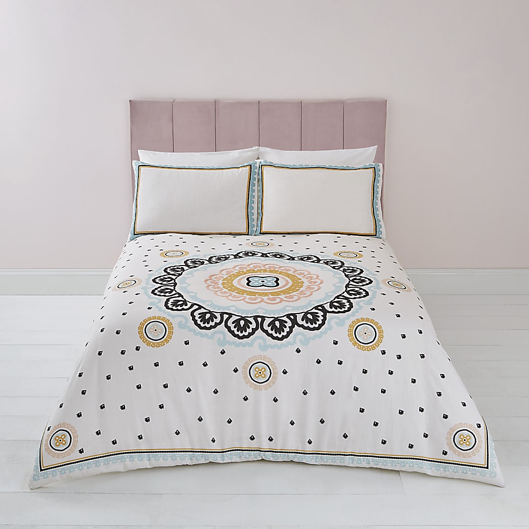 Cream embroidered king duvet bed set