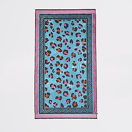 Blue leopard jacquard towel