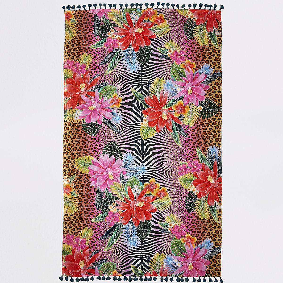 Roze lichtgewicht handdoek met jungle- en dierenprint