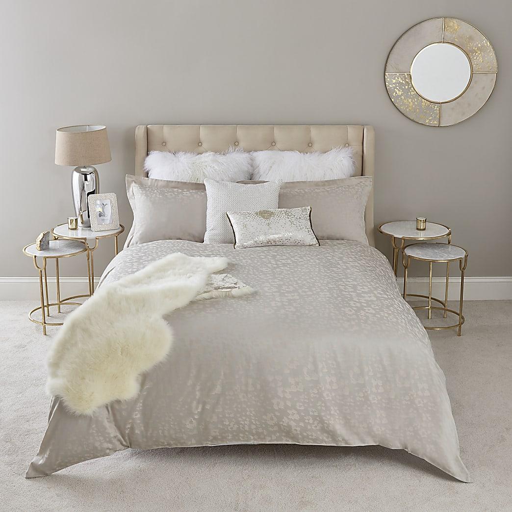 Pink leopard jacquard king duvet bed set