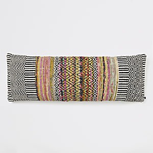 Zwart-wit oversized lang kussen met monochrome geometrische print