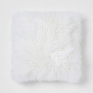 Coussin carré oversize en fourrure de Mongolie crème