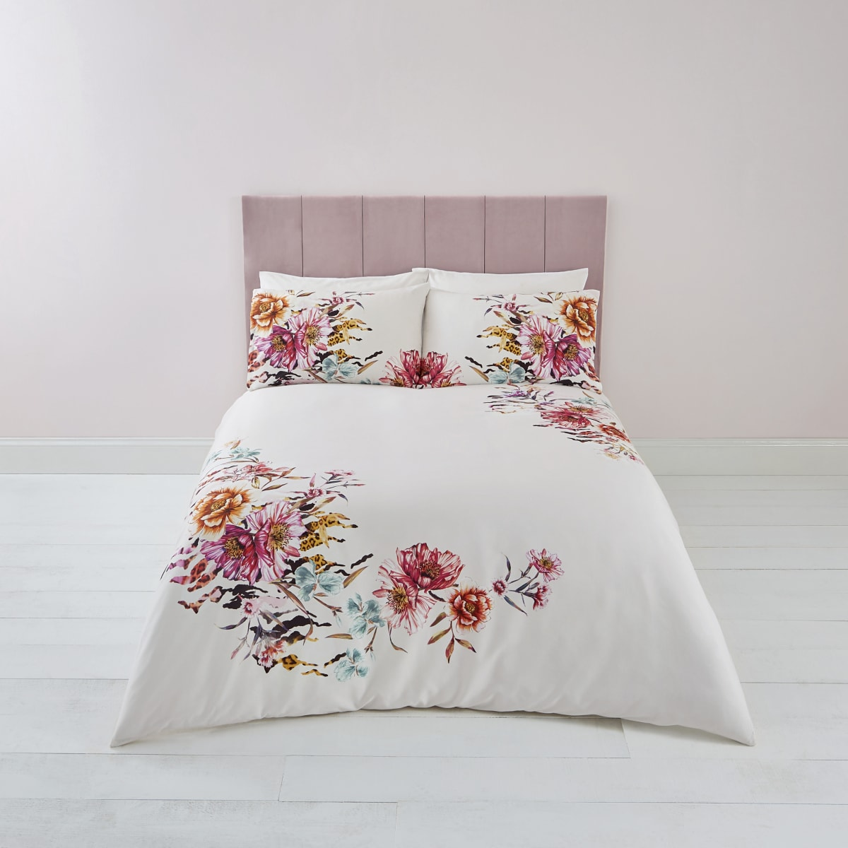 Pink floral print double duvet bed set
