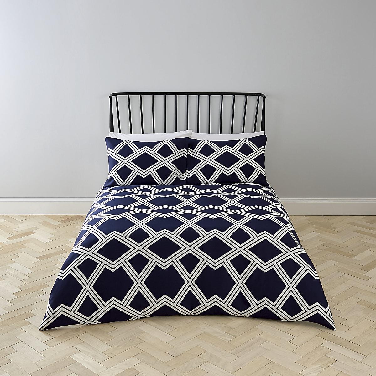 Marineblauwe tweepersoonsdekbedset met geometrische print