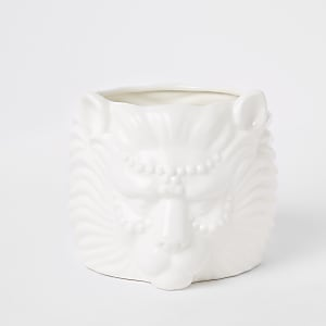 White lion head planter