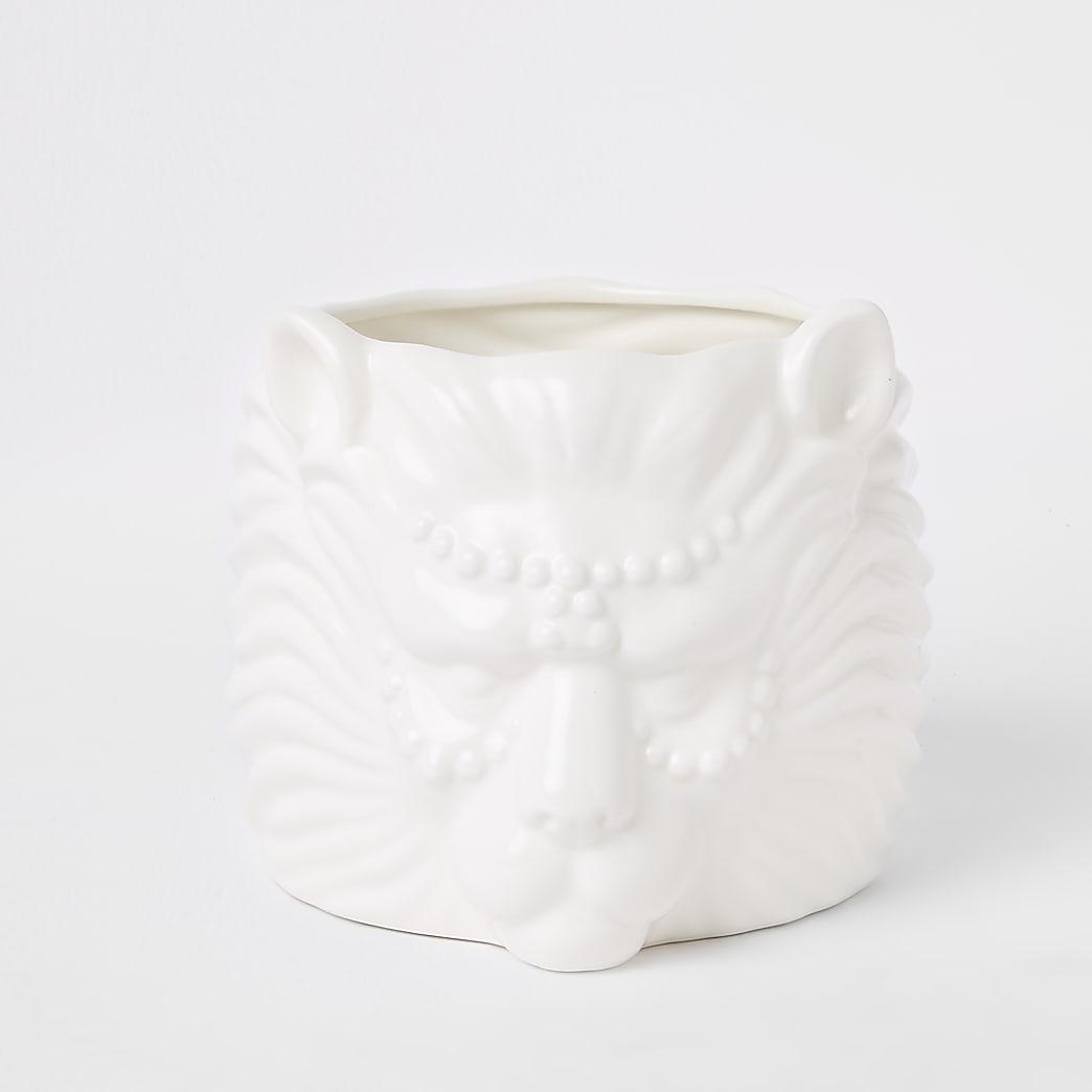 White lion head planter
