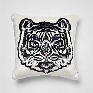 Weißes Kissen aus Kunstfell mit Tiger-Print