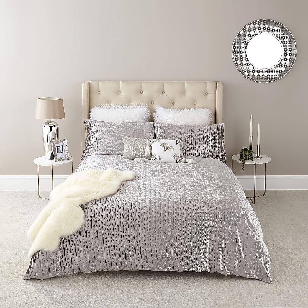 Silver velvet pleated double duvet bed set