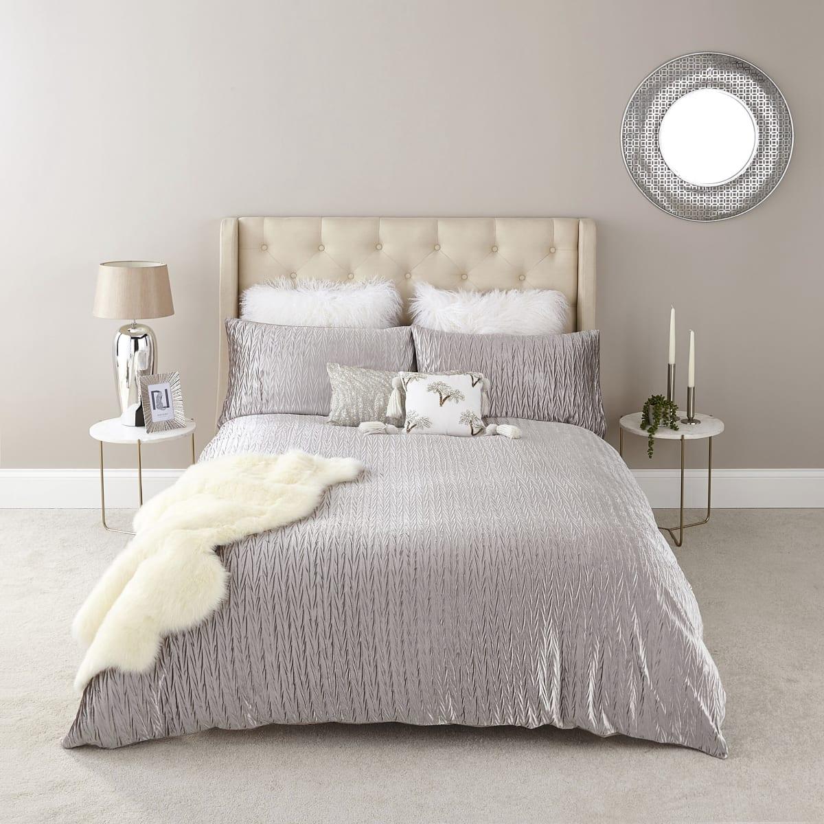 Ecru velvet pleated double duvet bed set
