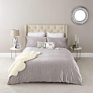 King Size Plisee-Bettdeckenset aus Samt in Ecru