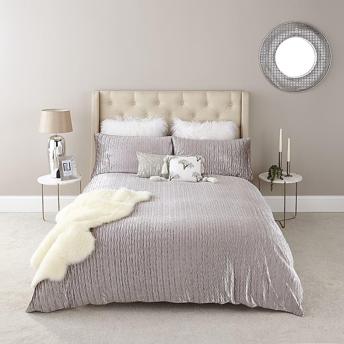Silver velvet pleated king size duvet set