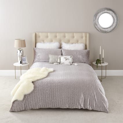 Silver velvet pleated super king duvet set