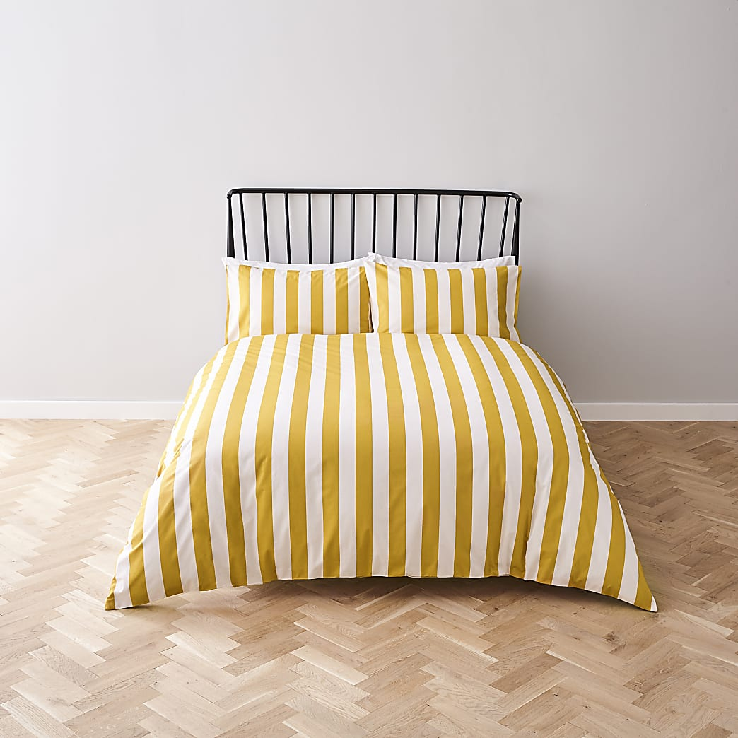 Yellow stripe print double duvet bed set