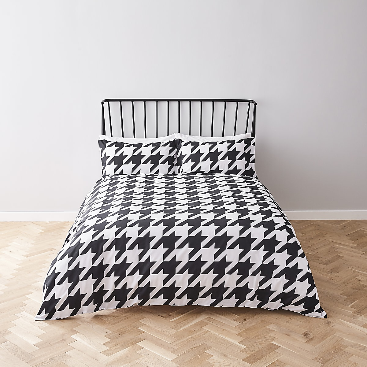 White houndstooth check double duvet bed set