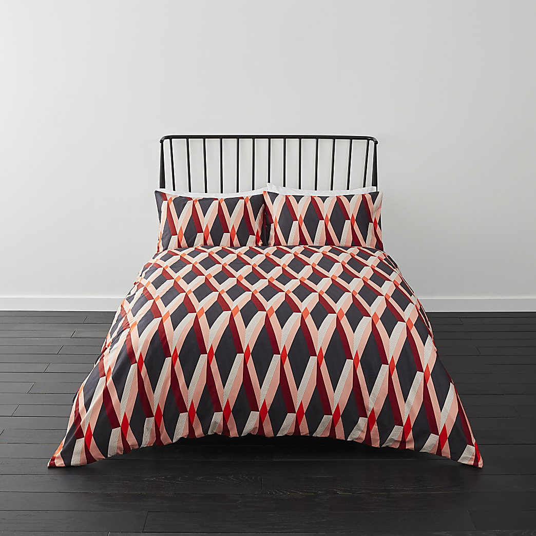 Red diamond print king duvet bed set