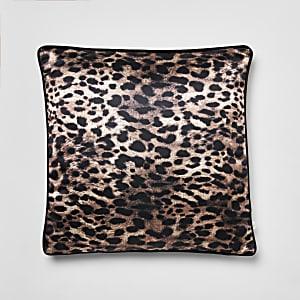 Coussin imprimé léopard marron