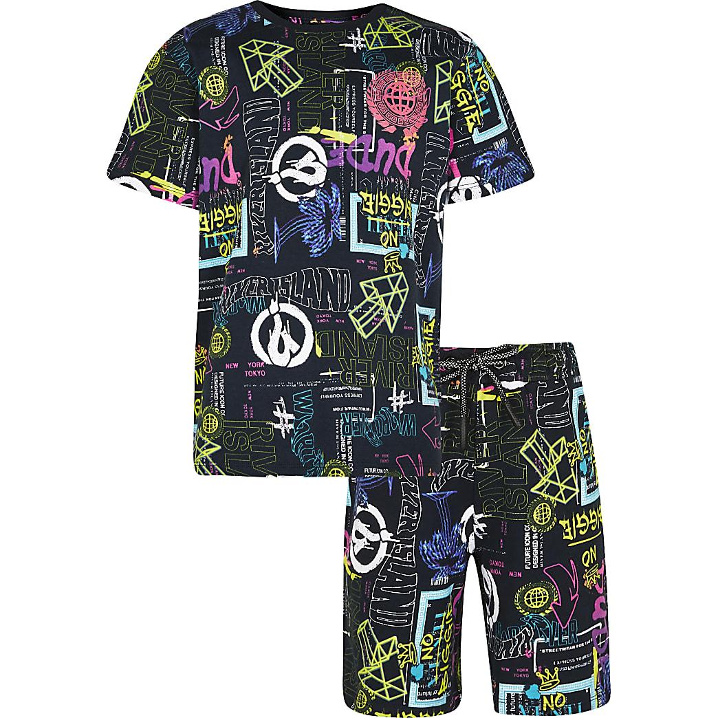 Age 13+ boys black graffiti shorts outfit