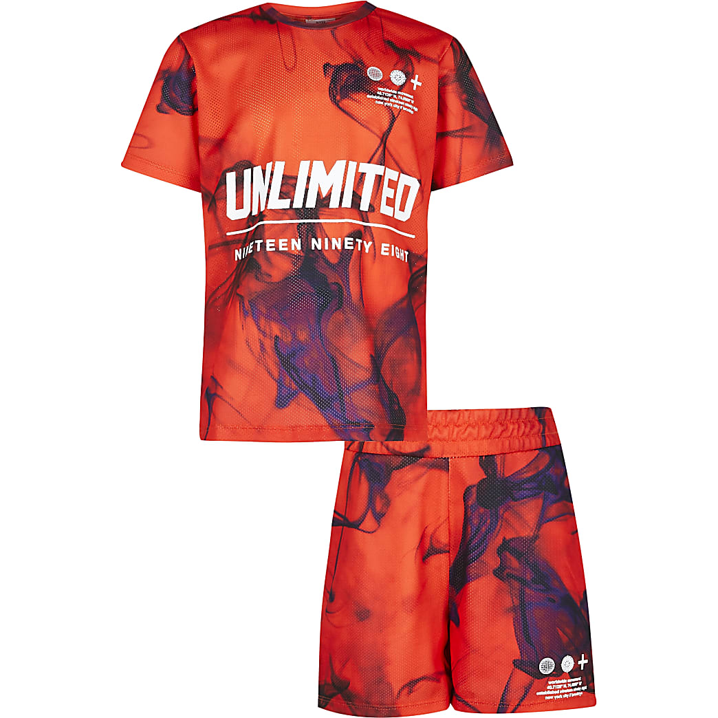 Age 13+ boys red t-shirt and shorts outfit