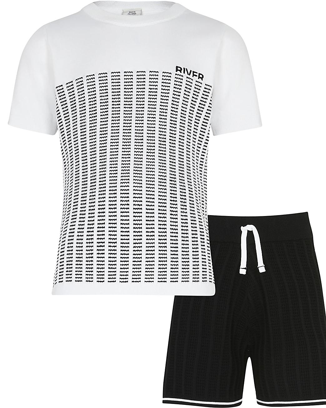Age 13+ boys white stripe knit t-shirt outfit