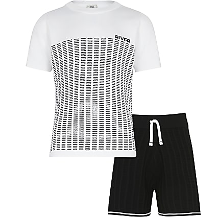 Age 13+ boys white stripe knit t-shirt outfit