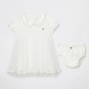 Angel's Face - Crèmekleurige jurk met ondergoed voor baby's