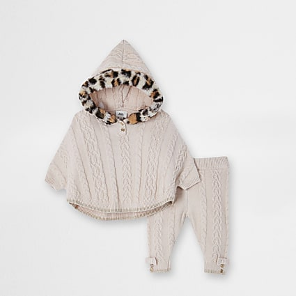 Baby beige leopard faux fur poncho outfit