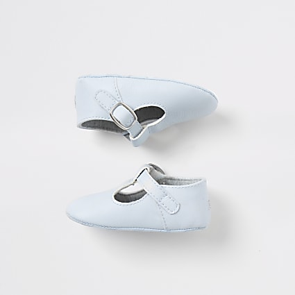 Baby blue buckle party shoes