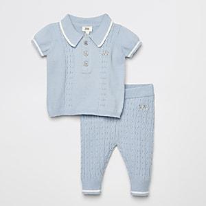 Blaues Poloshirt-Outfit mit Zopfmuster für Babys