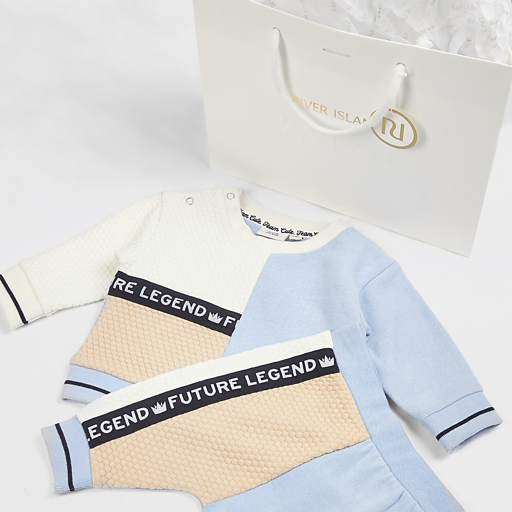 Baby blue colour blocked outfit and gift bag