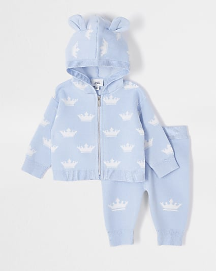 Baby blue crown knit cardigan outfit
