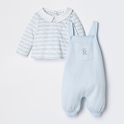Baby blue dungaree outfit