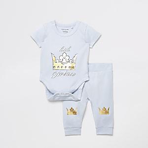 Babyblauer, bedruckter Body mit Leggings im Set.