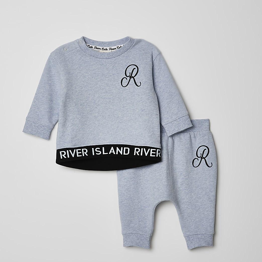 Baby blue RI sweatshirt outfit