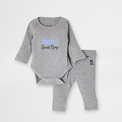 Baby boys grey 'Mamas Boy' bodysuit outfit