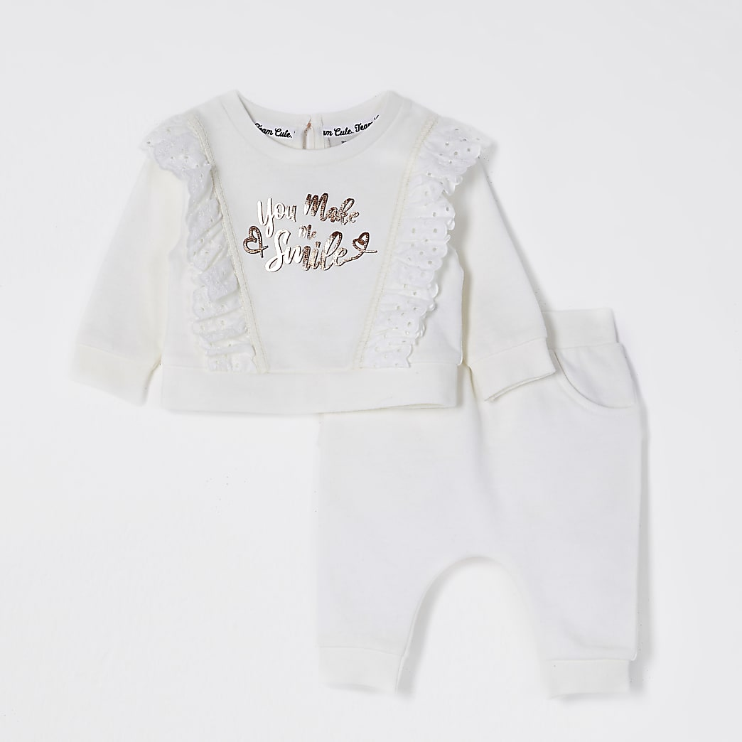 Baby cream broderie sweatshirt set