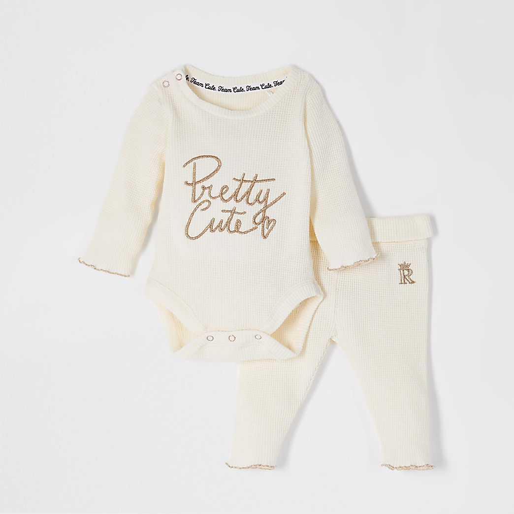 Baby cream 'Pretty cute waffle outfit
