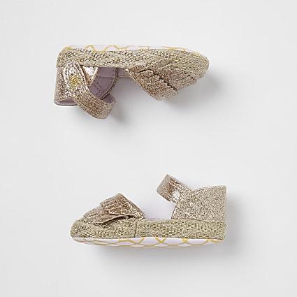 Baby girl gold fringe sandals