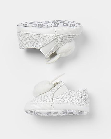 Baby girls white bunny pom pom plimsoles