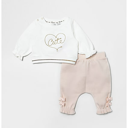 Baby pink 'Cute' bow sweatshirt outfit
