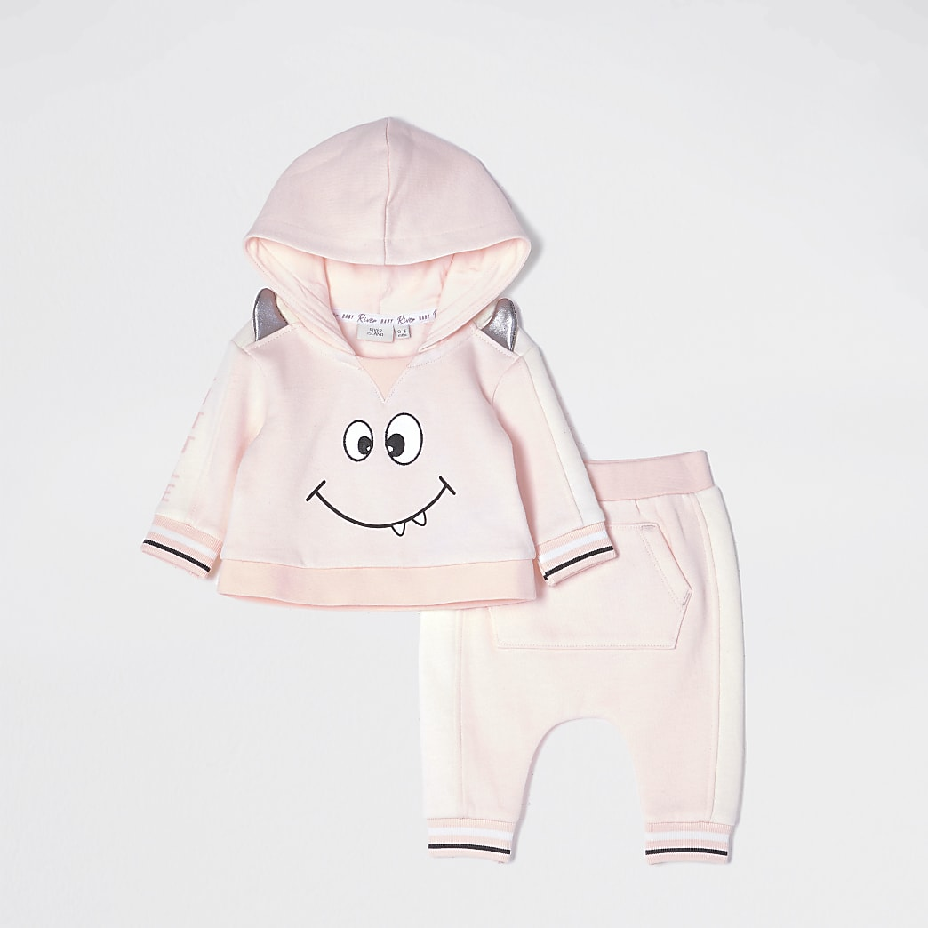 Baby pink monster hoodie outfit