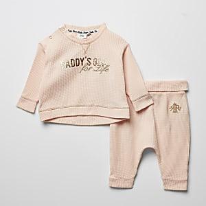 Bedrucktes Outfit mit T-Shirt in Waffelstruktur, in Baby-Pink