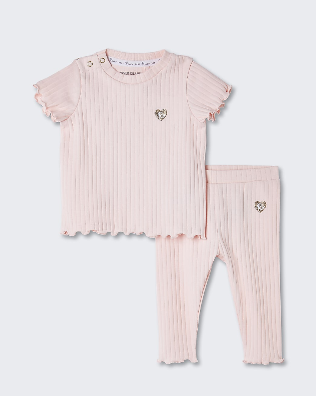 Baby pink ribbed leggings outfit
