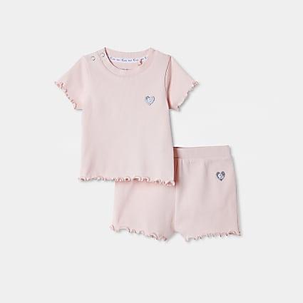 Baby pink ribbed t-shirt & shorts outfit
