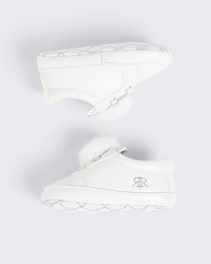 Baby white bunny pom pom sneakers