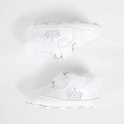 Baby white crown trainers