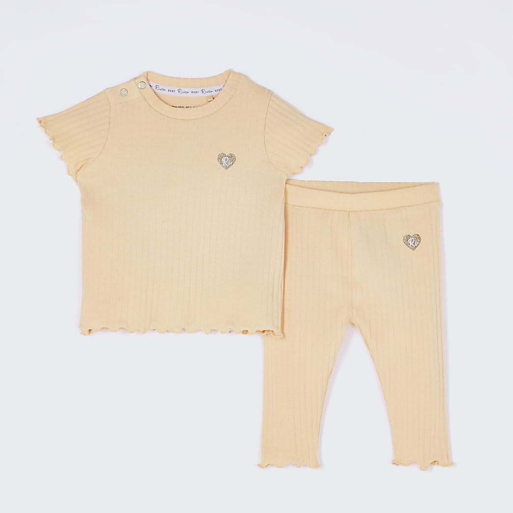 Baby yellow ribbed leggings outfit